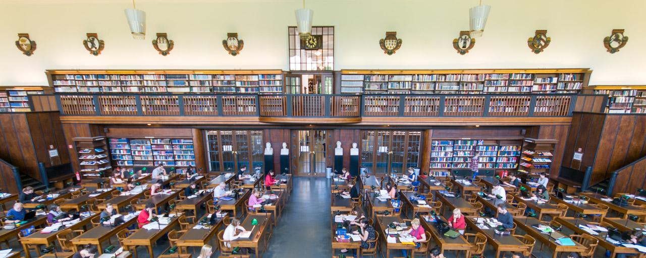Blick in den geisteswissenschaftlichen Lesesaal der Deutschen Nationalbibliothek in Leipzig